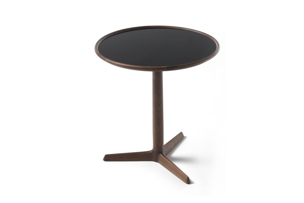 https://res.cloudinary.com/clippings/image/upload/t_big/dpr_auto,f_auto,w_auto/v1531981870/products/pausa-side-table-porada-t-colzani-clippings-10635971.jpg