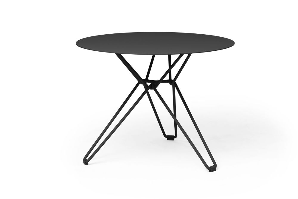 https://res.cloudinary.com/clippings/image/upload/t_big/dpr_auto,f_auto,w_auto/v1532601000/products/tio-round-dining-table-massproductions-clippings-10687701.jpg