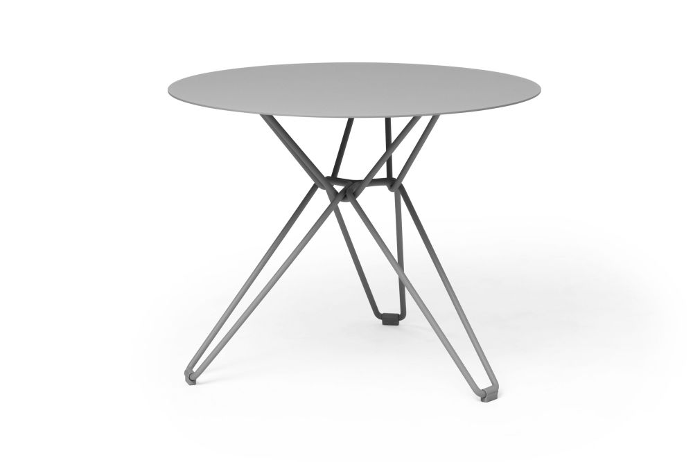 https://res.cloudinary.com/clippings/image/upload/t_big/dpr_auto,f_auto,w_auto/v1532601002/products/tio-round-dining-table-massproductions-clippings-10687681.jpg