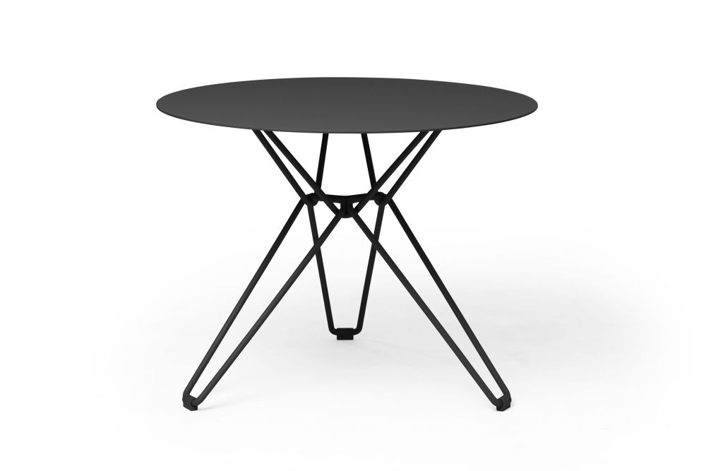 https://res.cloudinary.com/clippings/image/upload/t_big/dpr_auto,f_auto,w_auto/v1532601002/products/tio-round-dining-table-massproductions-clippings-10687741.jpg