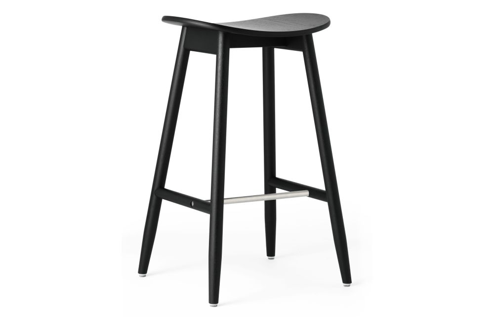 https://res.cloudinary.com/clippings/image/upload/t_big/dpr_auto,f_auto,w_auto/v1532680124/products/icha-bar-stool-massproductions-clippings-10691121.jpg
