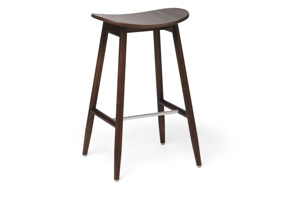 https://res.cloudinary.com/clippings/image/upload/t_big/dpr_auto,f_auto,w_auto/v1532680126/products/icha-bar-stool-massproductions-clippings-10690961.jpg