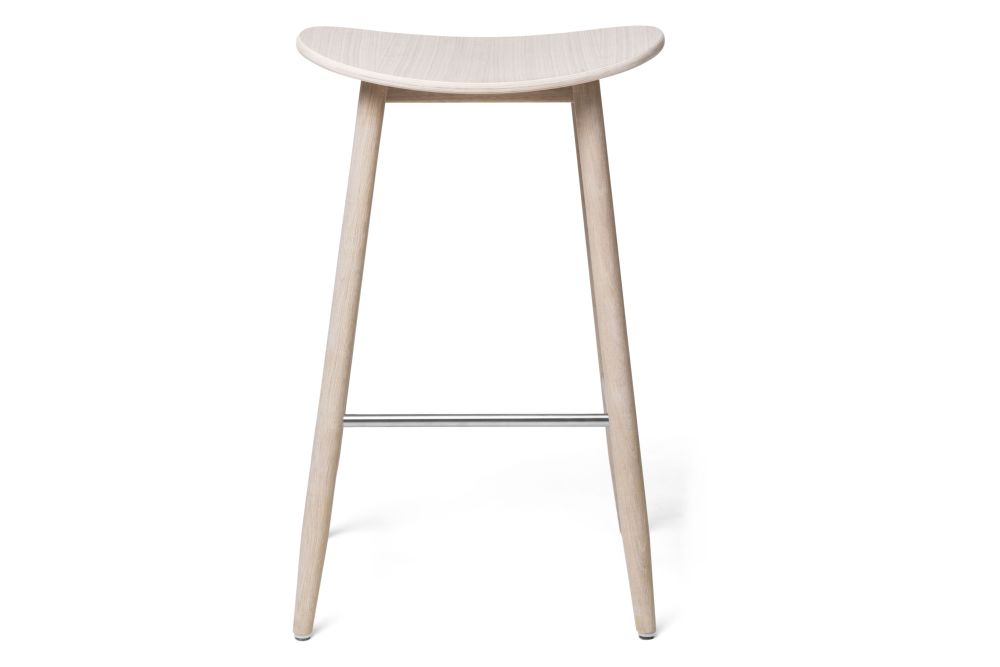 https://res.cloudinary.com/clippings/image/upload/t_big/dpr_auto,f_auto,w_auto/v1532680128/products/icha-bar-stool-massproductions-clippings-10690971.jpg