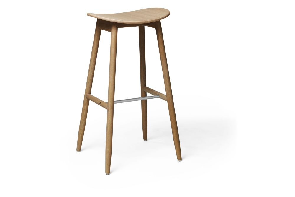 https://res.cloudinary.com/clippings/image/upload/t_big/dpr_auto,f_auto,w_auto/v1532680129/products/icha-bar-stool-massproductions-clippings-10691031.jpg