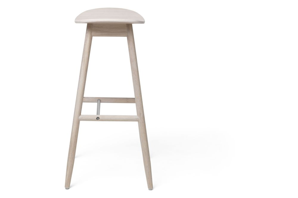 https://res.cloudinary.com/clippings/image/upload/t_big/dpr_auto,f_auto,w_auto/v1532680136/products/icha-bar-stool-massproductions-clippings-10691101.jpg