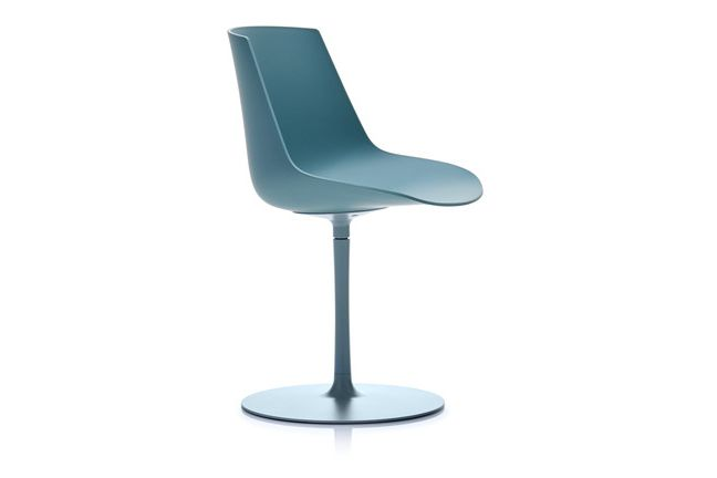 https://res.cloudinary.com/clippings/image/upload/t_big/dpr_auto,f_auto,w_auto/v1533192142/products/flow-chair-central-leg-soft-touch-mdf-italia-jean-marie-massaud-clippings-10706901.jpg