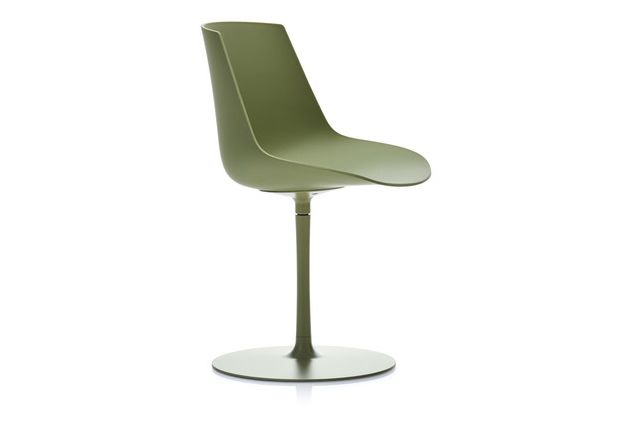 https://res.cloudinary.com/clippings/image/upload/t_big/dpr_auto,f_auto,w_auto/v1533192142/products/flow-chair-central-leg-soft-touch-mdf-italia-jean-marie-massaud-clippings-10706911.jpg