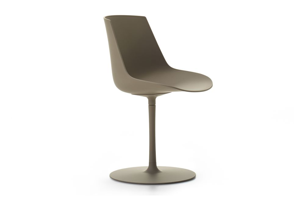 https://res.cloudinary.com/clippings/image/upload/t_big/dpr_auto,f_auto,w_auto/v1533192151/products/flow-chair-central-leg-soft-touch-mdf-italia-jean-marie-massaud-clippings-10706931.jpg
