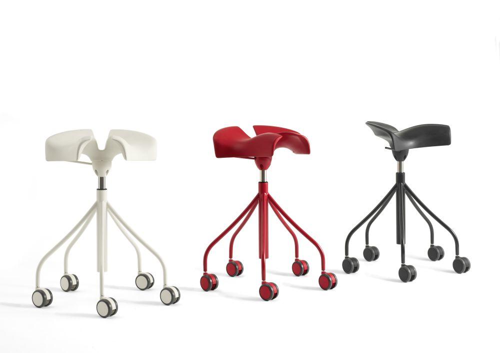 https://res.cloudinary.com/clippings/image/upload/t_big/dpr_auto,f_auto,w_auto/v1533194346/products/binaria-stool-bd-barcelona-jordi-badia-and-otto-canalda-clippings-10707041.jpg
