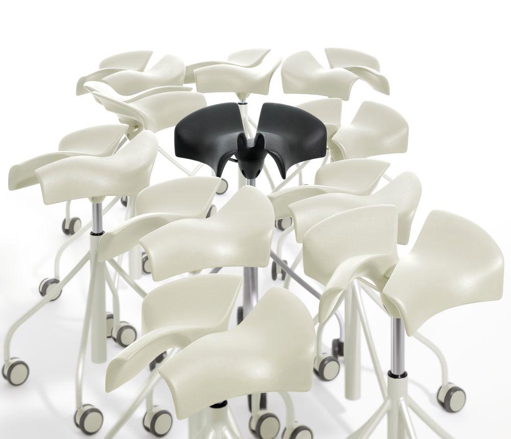 https://res.cloudinary.com/clippings/image/upload/t_big/dpr_auto,f_auto,w_auto/v1533194409/products/binaria-stool-bd-barcelona-jordi-badia-and-otto-canalda-clippings-10707131.jpg