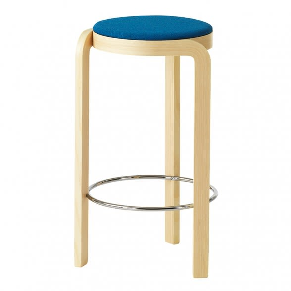 https://res.cloudinary.com/clippings/image/upload/t_big/dpr_auto,f_auto,w_auto/v1533896421/products/spin-bar-stool-upholstered-seat-swedese-staffan-holm-clippings-10735611.jpg