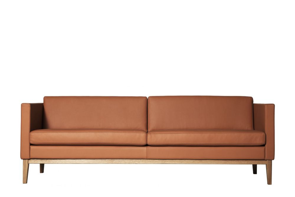 https://res.cloudinary.com/clippings/image/upload/t_big/dpr_auto,f_auto,w_auto/v1534310722/products/madison-sofa-210-yes-without-buttons-elmo-soft-54035-swedese-leila-atlassi-clippings-10726451.jpg