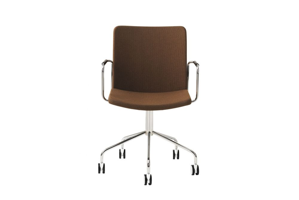 https://res.cloudinary.com/clippings/image/upload/t_big/dpr_auto,f_auto,w_auto/v1534318713/products/stella-wheel-base-armchair-white-steel-messenger-0052-swedese-broberg-ridderstr%C3%A5le-clippings-10707221.jpg