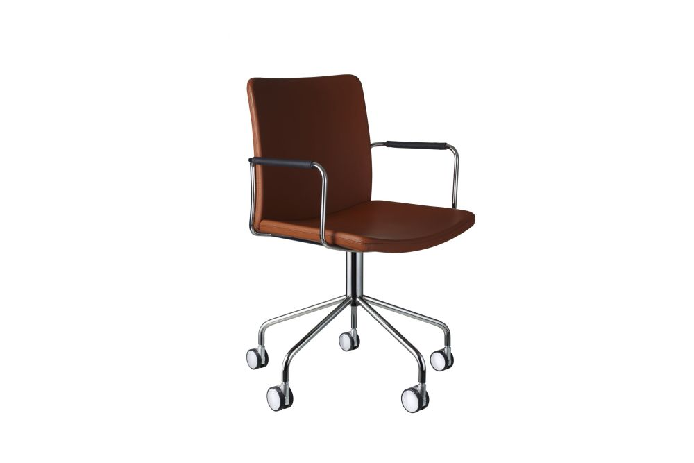 https://res.cloudinary.com/clippings/image/upload/t_big/dpr_auto,f_auto,w_auto/v1534318715/products/stella-wheel-base-armchair-swedese-broberg-ridderstr%C3%A5le-clippings-10707331.jpg
