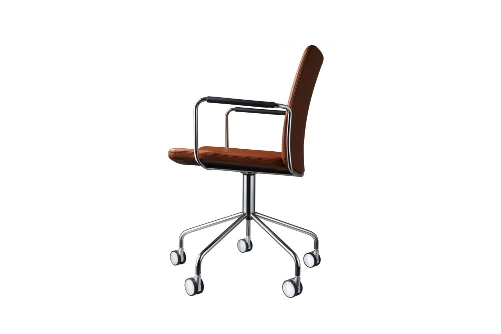 https://res.cloudinary.com/clippings/image/upload/t_big/dpr_auto,f_auto,w_auto/v1534318729/products/stella-wheel-base-armchair-swedese-broberg-ridderstr%C3%A5le-clippings-10707351.jpg