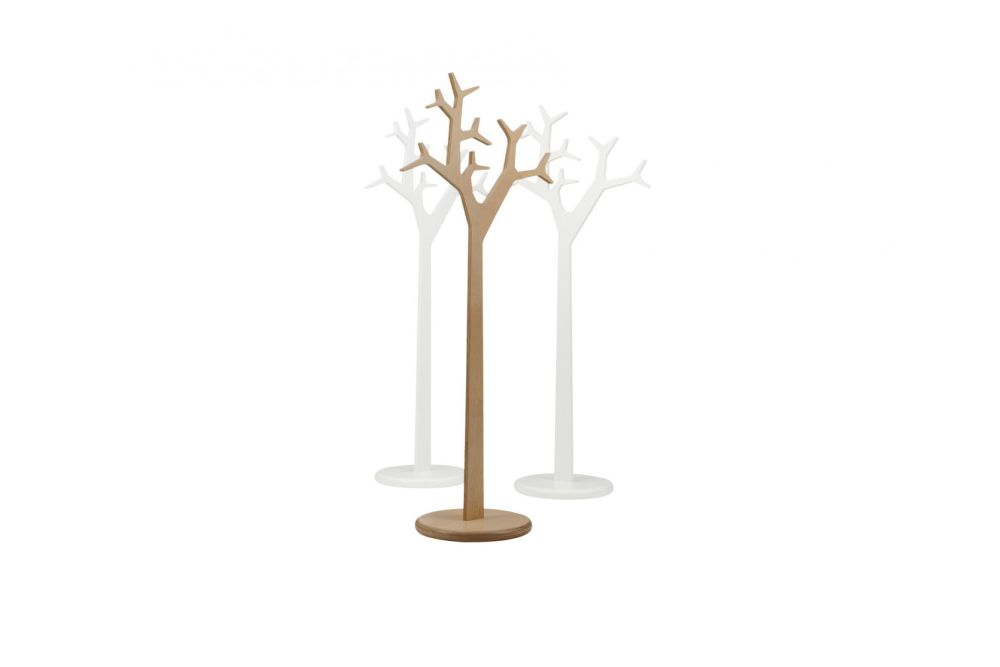 https://res.cloudinary.com/clippings/image/upload/t_big/dpr_auto,f_auto,w_auto/v1534379956/products/tree-coat-stand-194-oak-natural-lacquer-swedese-katrin-petursdottir-michael-young-clippings-10747701.jpg