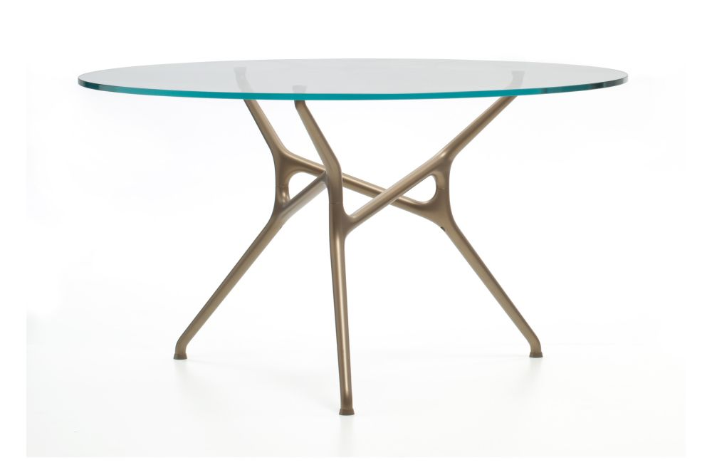 https://res.cloudinary.com/clippings/image/upload/t_big/dpr_auto,f_auto,w_auto/v1535696150/products/branch-round-table-cappellini-jakob-wagner-clippings-10830611.jpg