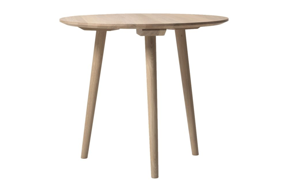 https://res.cloudinary.com/clippings/image/upload/t_big/dpr_auto,f_auto,w_auto/v1536150441/products/in-between-sk3-dining-table-tradition-sami-kallio-clippings-10856491.jpg