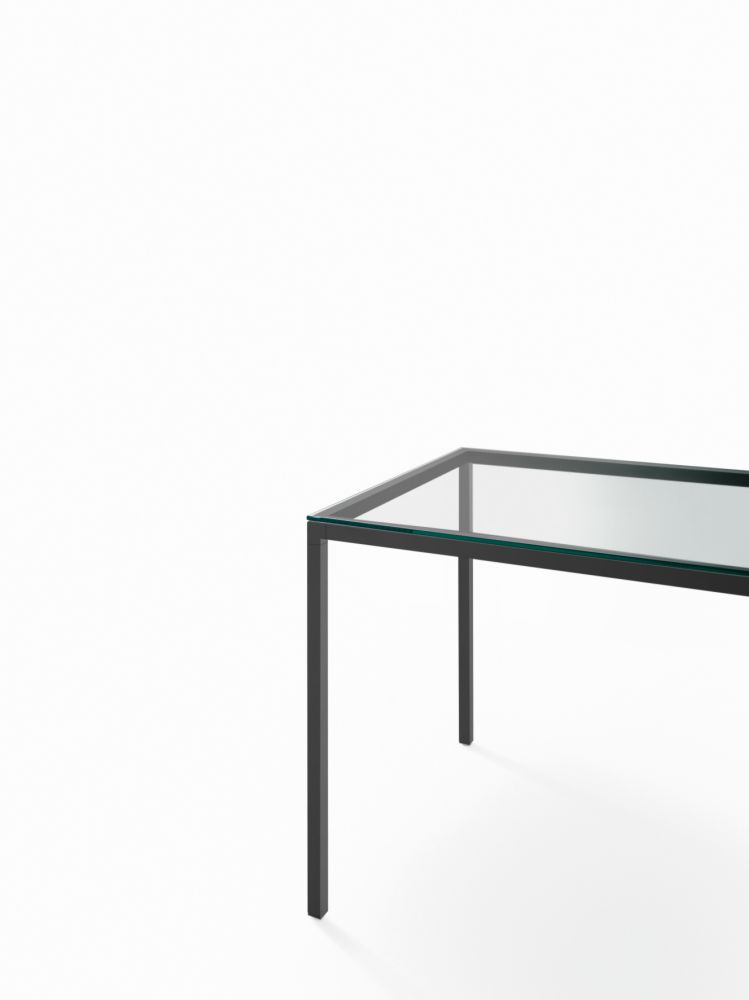 https://res.cloudinary.com/clippings/image/upload/t_big/dpr_auto,f_auto,w_auto/v1537435201/products/helsinki-30-home-dining-table-with-glass-top-desalto-caronni-bonanomi-clippings-10967341.jpg