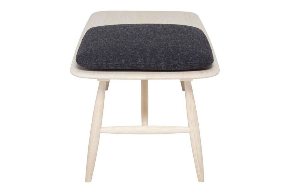 https://res.cloudinary.com/clippings/image/upload/t_big/dpr_auto,f_auto,w_auto/v1537449183/products/von-bench-with-pad-ercol-clippings-10969111.jpg