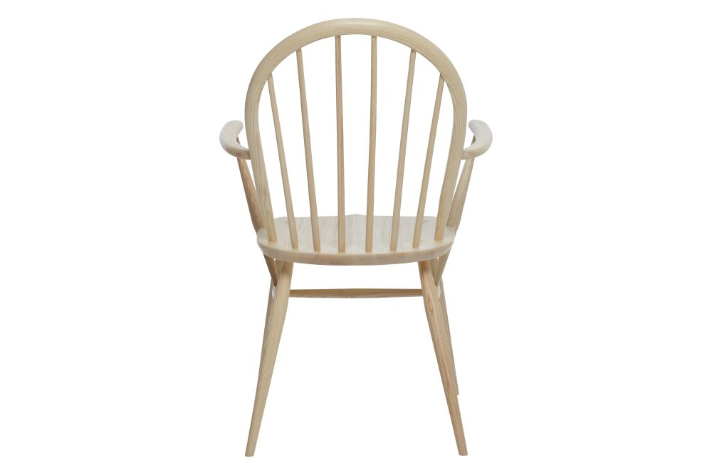 https://res.cloudinary.com/clippings/image/upload/t_big/dpr_auto,f_auto,w_auto/v1538541110/products/windsor-dining-armchair-ercol-clippings-10996911.jpg