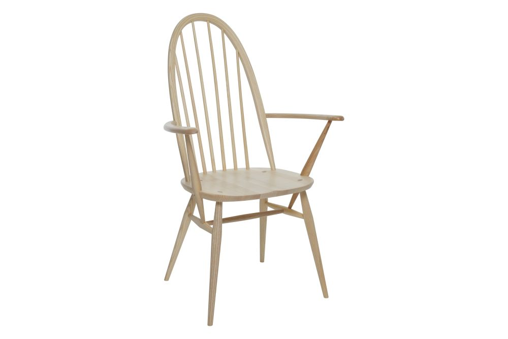 https://res.cloudinary.com/clippings/image/upload/t_big/dpr_auto,f_auto,w_auto/v1538541396/products/windsor-quaker-dining-armchair-ercol-clippings-10996921.jpg