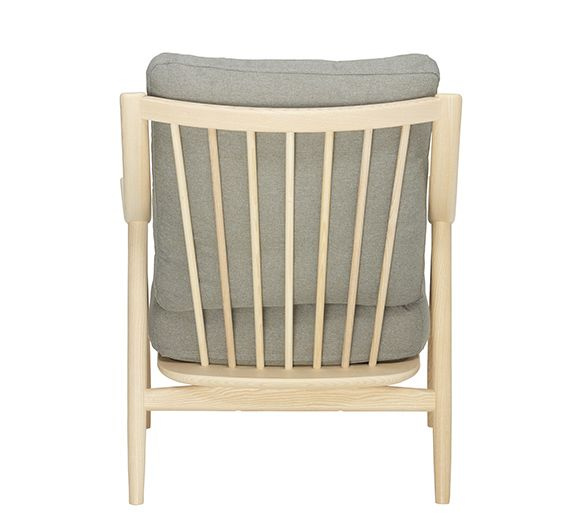 https://res.cloudinary.com/clippings/image/upload/t_big/dpr_auto,f_auto,w_auto/v1538545037/products/marino-armchair-ercol-clippings-10997251.jpg