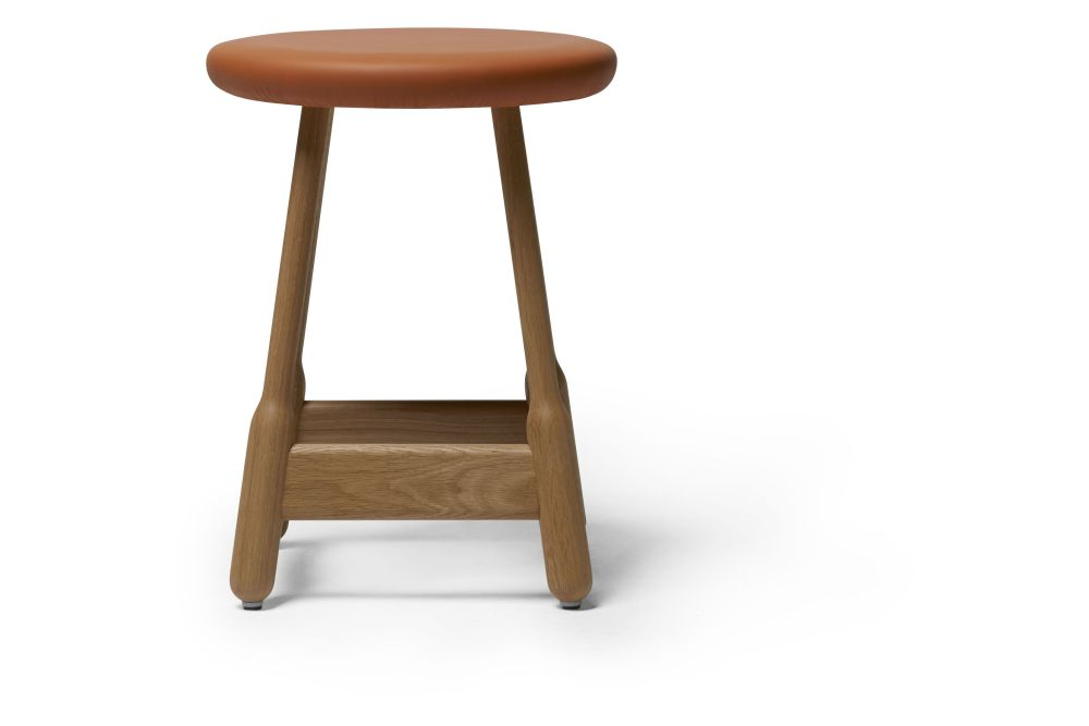 https://res.cloudinary.com/clippings/image/upload/t_big/dpr_auto,f_auto,w_auto/v1538713003/products/albert-stool-upholstered-massproductions-clippings-11002541.jpg