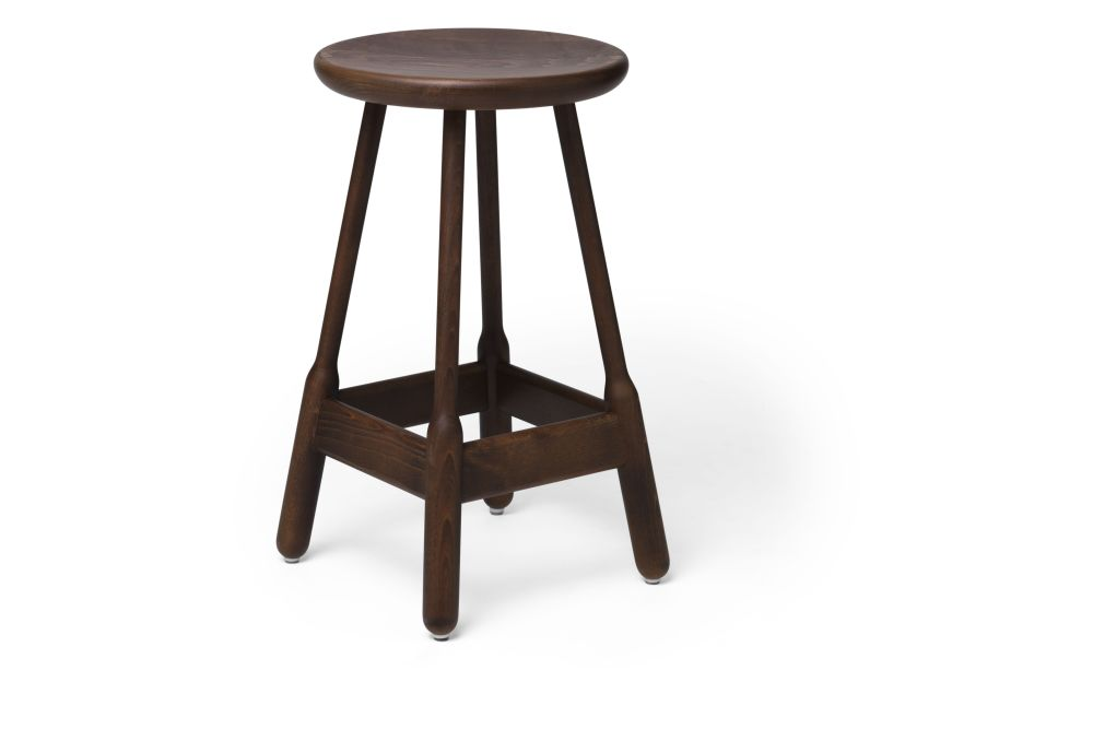 https://res.cloudinary.com/clippings/image/upload/t_big/dpr_auto,f_auto,w_auto/v1538714028/products/albert-bar-stool-massproductions-clippings-11002601.jpg