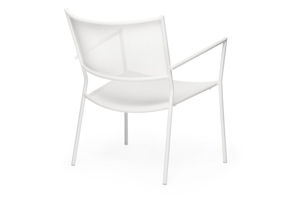 https://res.cloudinary.com/clippings/image/upload/t_big/dpr_auto,f_auto,w_auto/v1538727645/products/jig-mesh-easy-chair-massproductions-clippings-11004781.jpg
