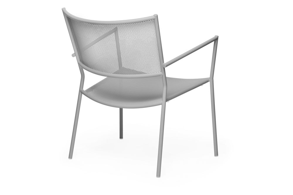https://res.cloudinary.com/clippings/image/upload/t_big/dpr_auto,f_auto,w_auto/v1538727666/products/jig-mesh-easy-chair-massproductions-clippings-11004971.jpg