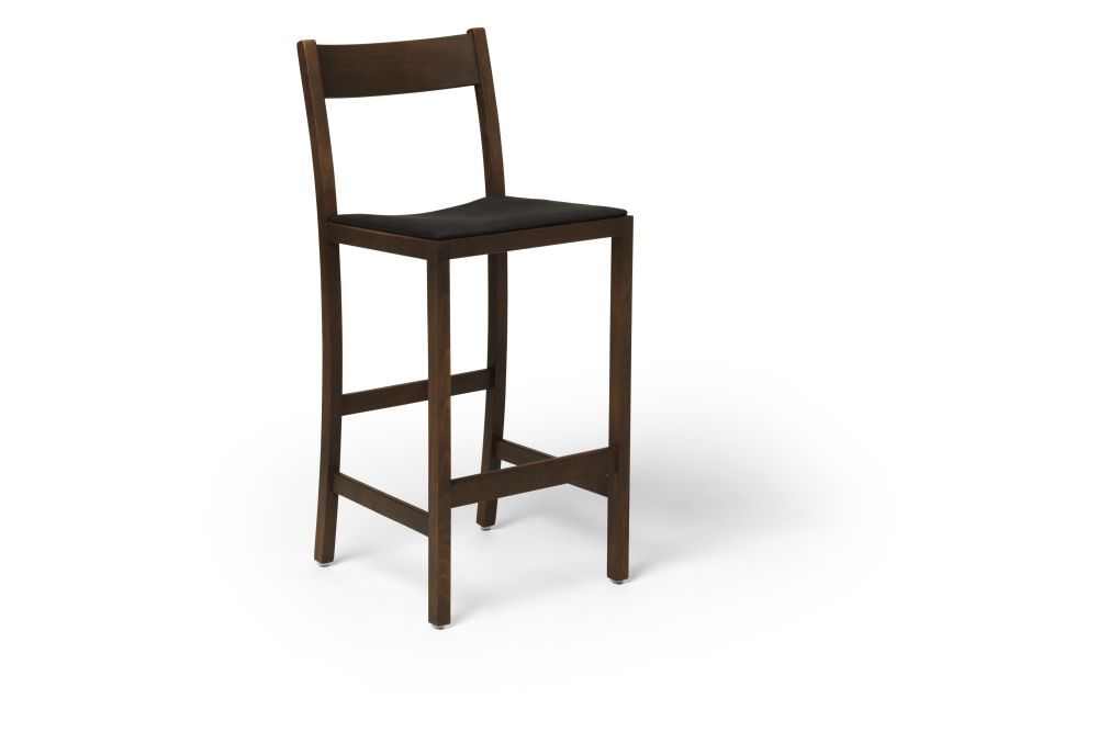 https://res.cloudinary.com/clippings/image/upload/t_big/dpr_auto,f_auto,w_auto/v1538733351/products/waiter-bar-stool-upholstered-massproductions-clippings-11006161.jpg