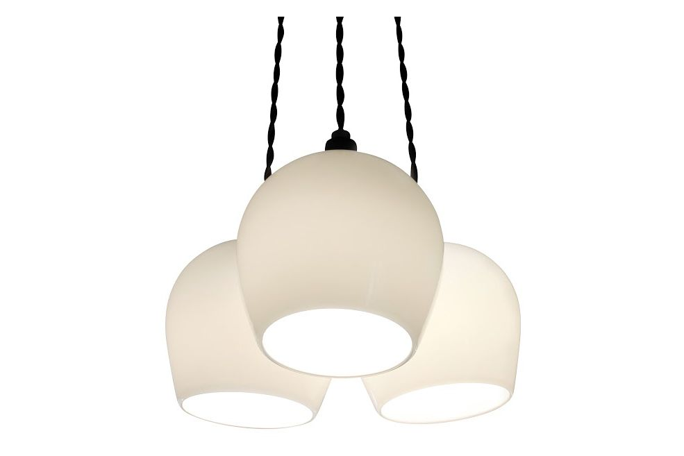 https://res.cloudinary.com/clippings/image/upload/t_big/dpr_auto,f_auto,w_auto/v1539003109/products/bell-3-drop-pendant-light-one-foot-taller-katty-barac-clippings-11011531.jpg