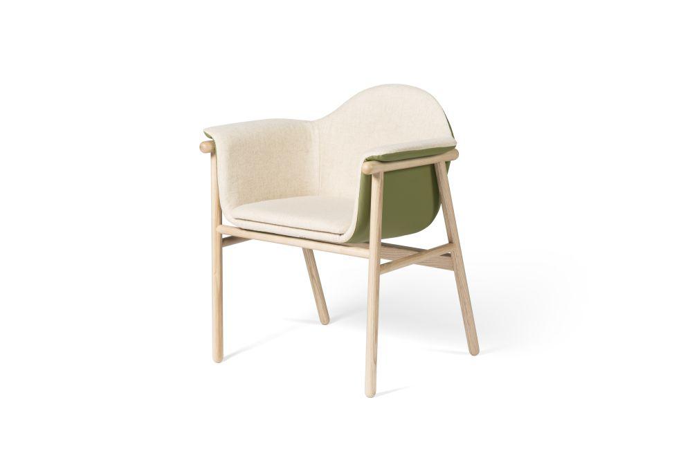 https://res.cloudinary.com/clippings/image/upload/t_big/dpr_auto,f_auto,w_auto/v1539173477/products/sacadura-chair-dam-hugo-silva-and-joana-santos-clippings-11018951.jpg