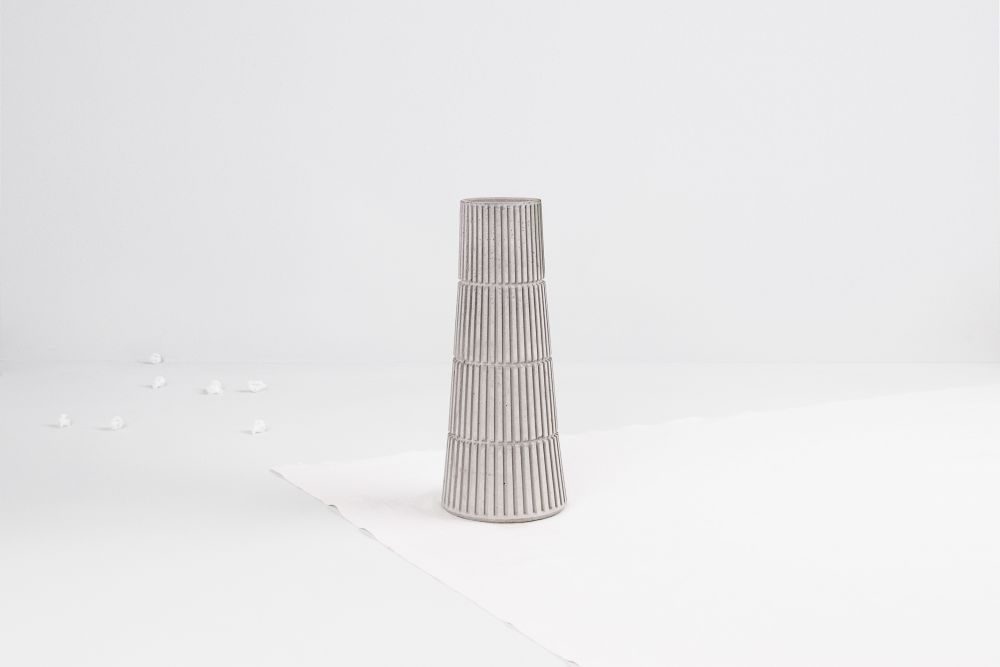Siment Flyover Vase by Tiipoi