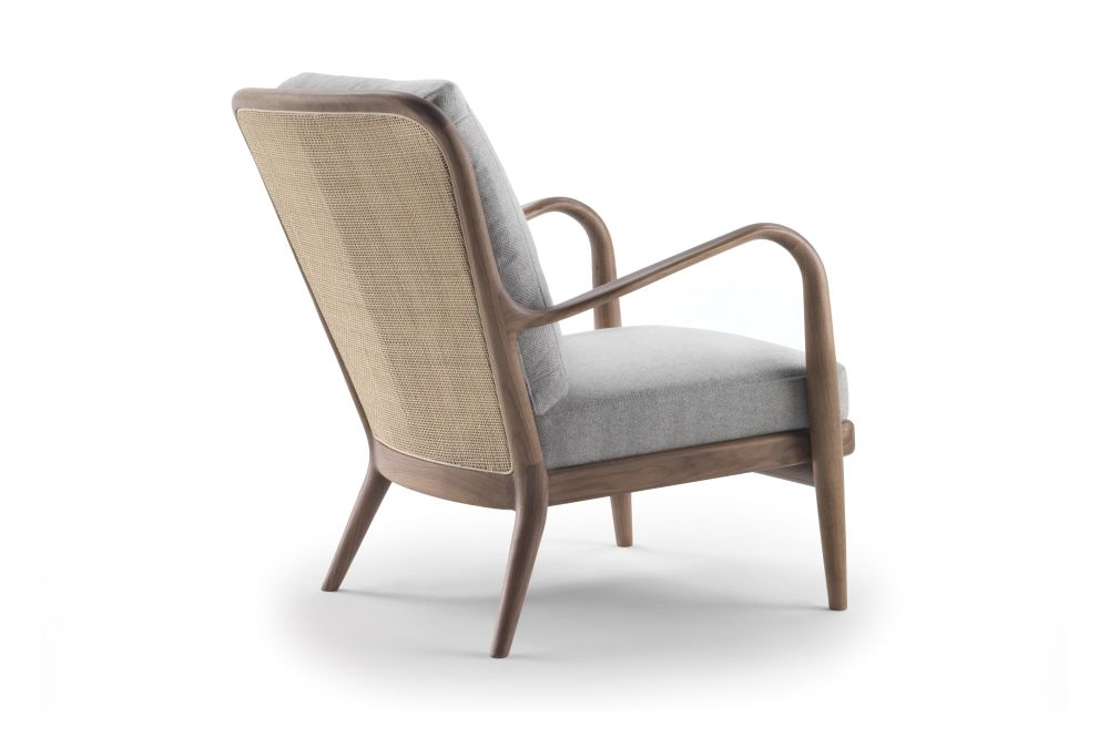 https://res.cloudinary.com/clippings/image/upload/t_big/dpr_auto,f_auto,w_auto/v1539941814/products/agave-armchair-reed-back-flexform-antonio-citterio-clippings-11045571.jpg