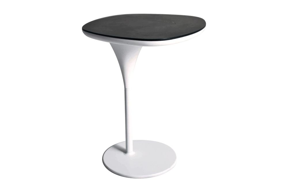 https://res.cloudinary.com/clippings/image/upload/t_big/dpr_auto,f_auto,w_auto/v1540552917/products/bloomy-side-table-traffic-white-black-moroso-patricia-urquiola-clippings-10626721.jpg