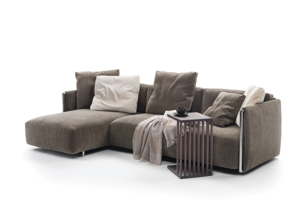 https://res.cloudinary.com/clippings/image/upload/t_big/dpr_auto,f_auto,w_auto/v1540793495/products/edmond-sofa-with-chaiselongue-flexform-carlo-colombo-clippings-11106845.jpg
