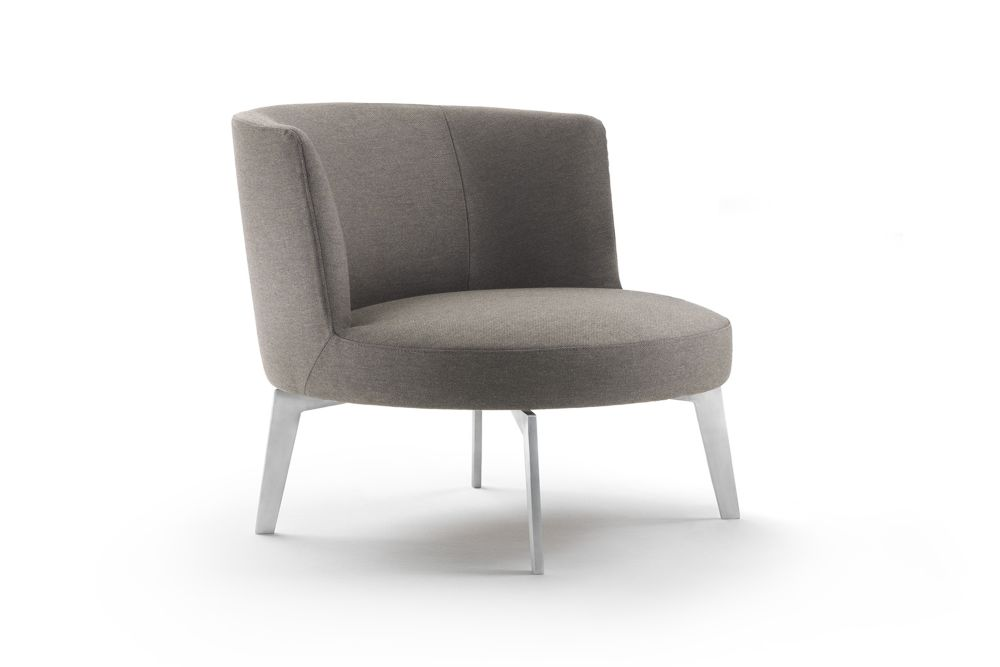 https://res.cloudinary.com/clippings/image/upload/t_big/dpr_auto,f_auto,w_auto/v1540802412/products/hera-armchair-metal-base-flexform-antonio-citterio-clippings-11106935.jpg