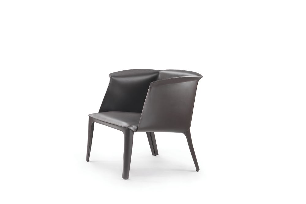 https://res.cloudinary.com/clippings/image/upload/t_big/dpr_auto,f_auto,w_auto/v1540805678/products/isabel-armchair-flexform-carlo-colombo-clippings-11106971.jpg