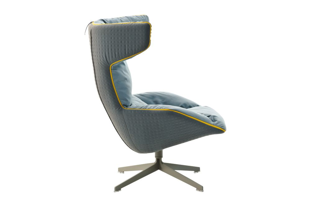 https://res.cloudinary.com/clippings/image/upload/t_big/dpr_auto,f_auto,w_auto/v1540876129/products/take-a-line-for-a-walk-armchair-with-cotton-gel-quilt-moroso-alfredo-haberli-clippings-11107195.jpg