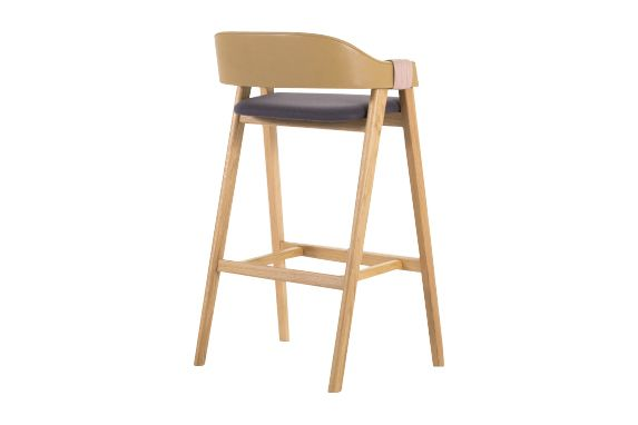 https://res.cloudinary.com/clippings/image/upload/t_big/dpr_auto,f_auto,w_auto/v1541402788/products/mathilda-bar-stool-moroso-patricia-urquiola-clippings-11109264.jpg