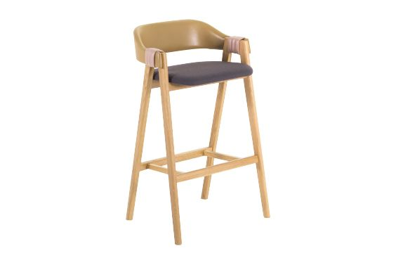 https://res.cloudinary.com/clippings/image/upload/t_big/dpr_auto,f_auto,w_auto/v1541402933/products/mathilda-bar-stool-moroso-patricia-urquiola-clippings-11109270.jpg