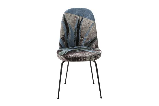 https://res.cloudinary.com/clippings/image/upload/t_big/dpr_auto,f_auto,w_auto/v1541420366/products/hungry-chair-diesel-living-with-moroso-diesel-creative-team-clippings-11109561.jpg
