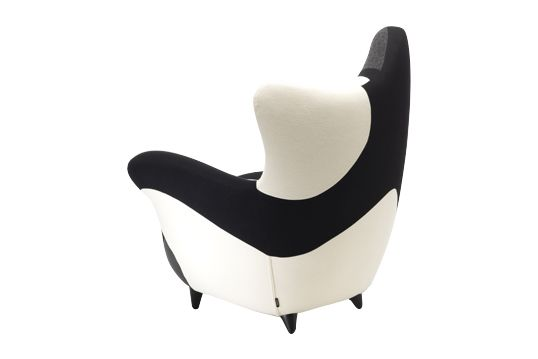 https://res.cloudinary.com/clippings/image/upload/t_big/dpr_auto,f_auto,w_auto/v1541500594/products/los-muebles-amorosos-alessandra-black-white-moroso-javier-mariscal-clippings-11111278.jpg