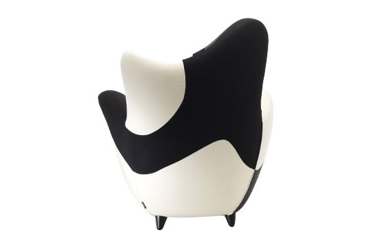 https://res.cloudinary.com/clippings/image/upload/t_big/dpr_auto,f_auto,w_auto/v1541500662/products/los-muebles-amorosos-alessandra-black-white-moroso-javier-mariscal-clippings-11111281.jpg