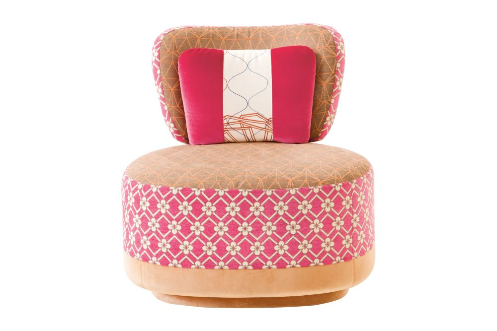 https://res.cloudinary.com/clippings/image/upload/t_big/dpr_auto,f_auto,w_auto/v1541566882/products/juju-small-armchair-sushi-collection-a4201-geo-01-cs-diamondflower-pink-fabric-pattern-2a-a4212-geo-cs-pattern-beigeorange-a4241-a4248-moroso-edward-van-vliet-clippings-11016951.jpg
