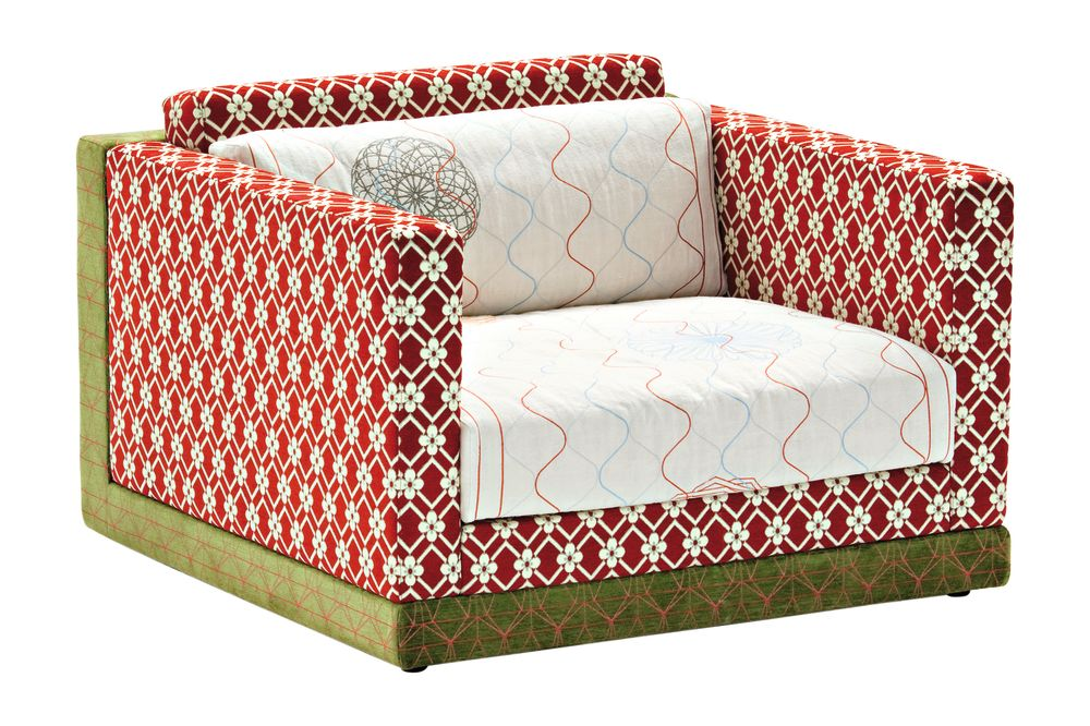 https://res.cloudinary.com/clippings/image/upload/t_big/dpr_auto,f_auto,w_auto/v1541567528/products/karmakoma-armchair-sushi-collection-a4200-geo-01-cs-diamondflower-red-fabric-pattern-2a-a4211-geo-cs-pattern-greenred-moroso-edward-van-vliet-clippings-11016341.jpg