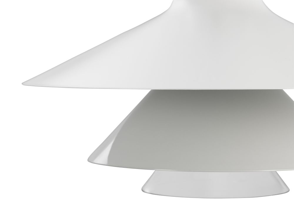 https://res.cloudinary.com/clippings/image/upload/t_big/dpr_auto,f_auto,w_auto/v1541770460/products/ikono-large-pendant-light-normann-copenhagen-simon-legald-clippings-11113624.jpg