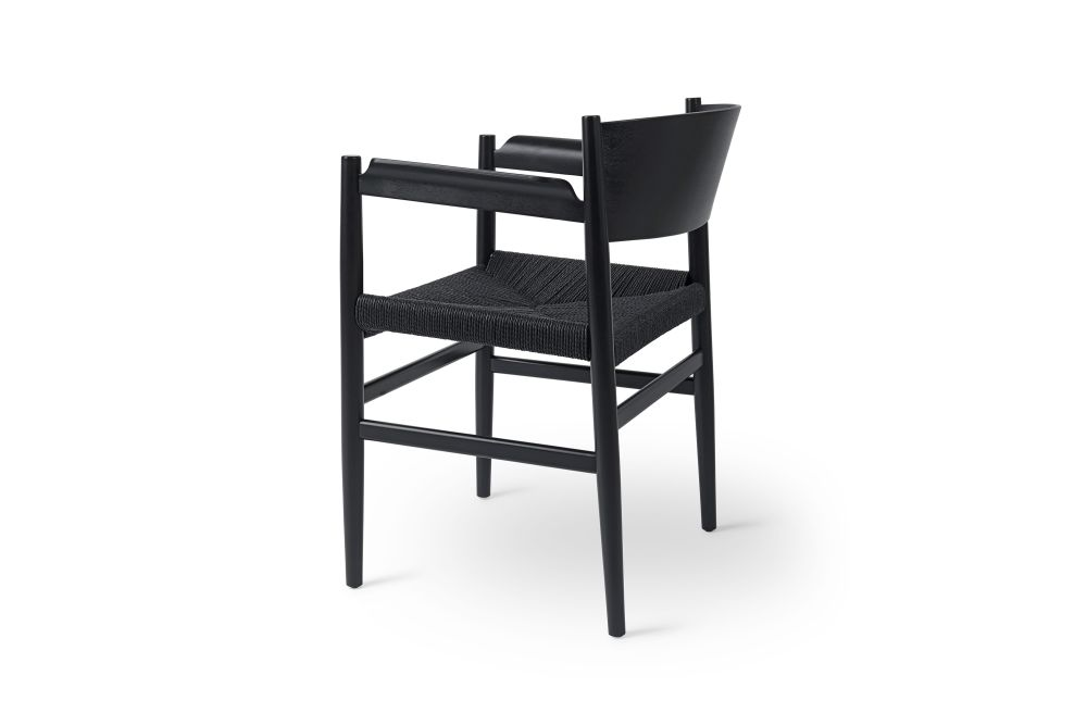 https://res.cloudinary.com/clippings/image/upload/t_big/dpr_auto,f_auto,w_auto/v1542020750/products/tom-stepp-nestor-armchair-paper-cord-seat-mater-tom-stepp-clippings-11114209.jpg